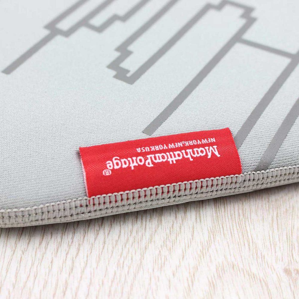 Manhattan-Portage-Skyline-Neoprene-Sleeve-iPad-Air-Grey-03