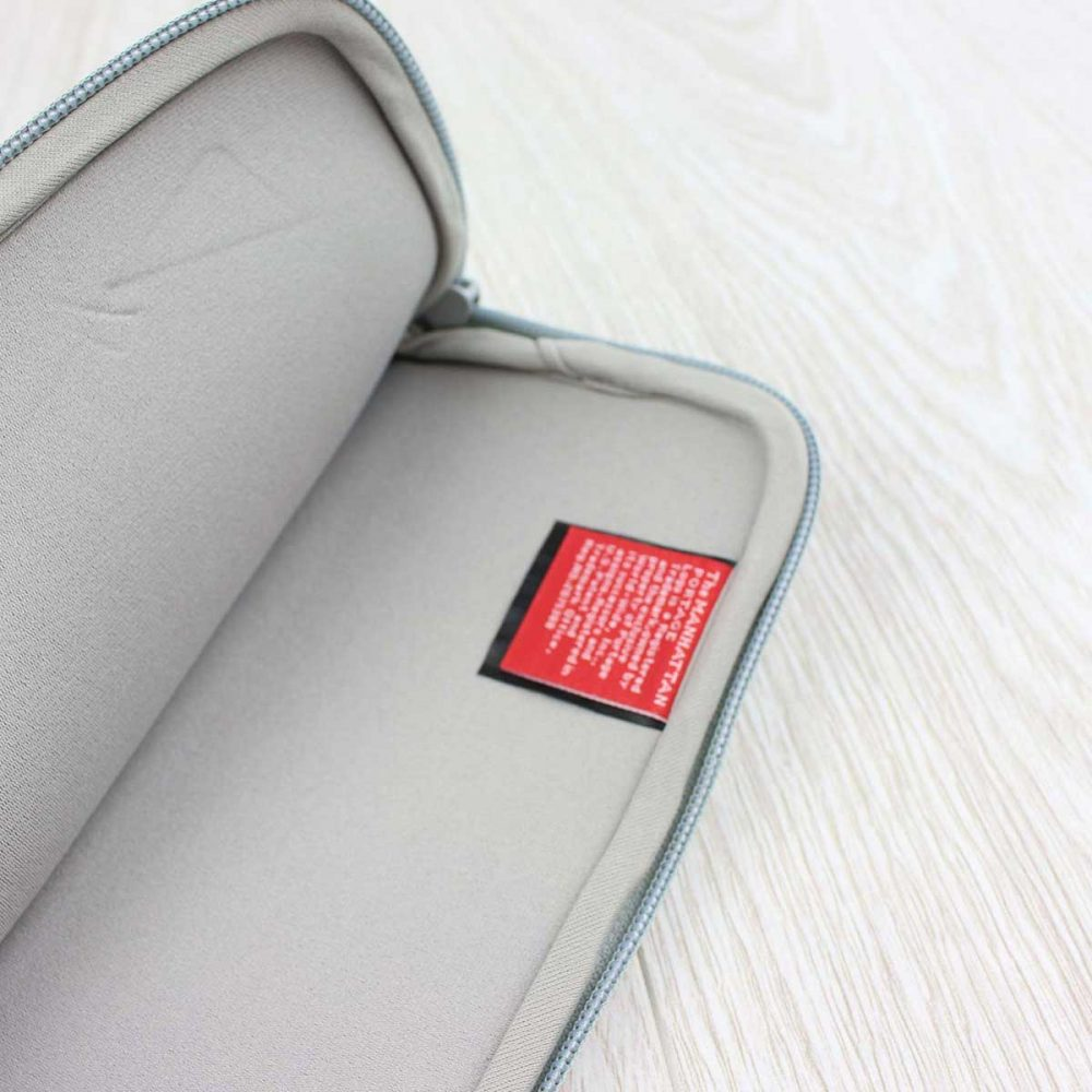 Manhattan-Portage-Skyline-Neoprene-Sleeve-iPad-Air-Grey-05