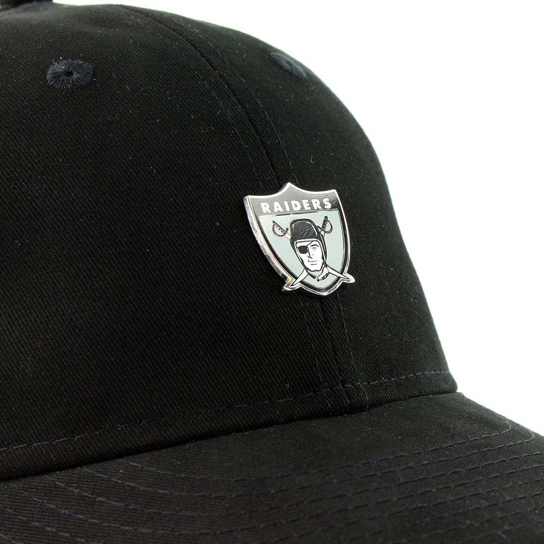 factory price a845a 4be31 New Era Oakland Raiders NFL Badge 9Fifty Cap - Black