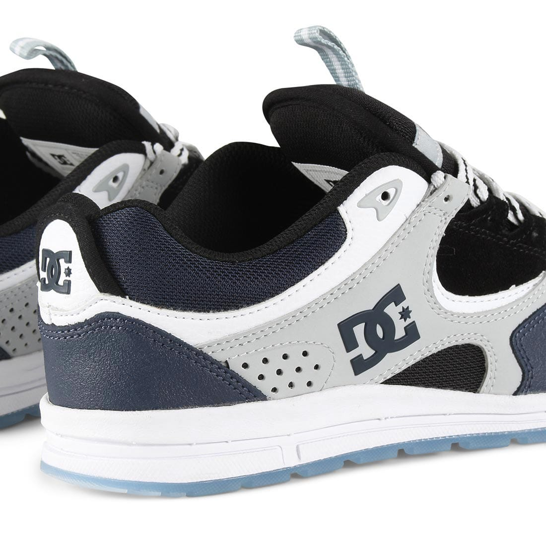cb92f170b322 Blueblue Dc Shoes - -+9000 Best All Room Decorating Ideas & Designs