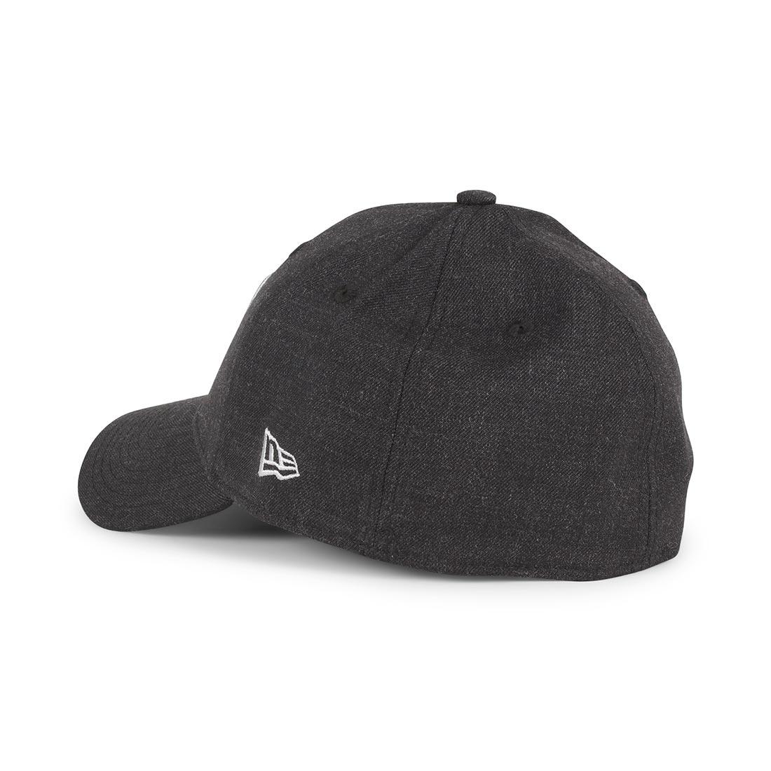 New Era Oakland Raiders Heather Essential 39Thirty Cap - Black / Black