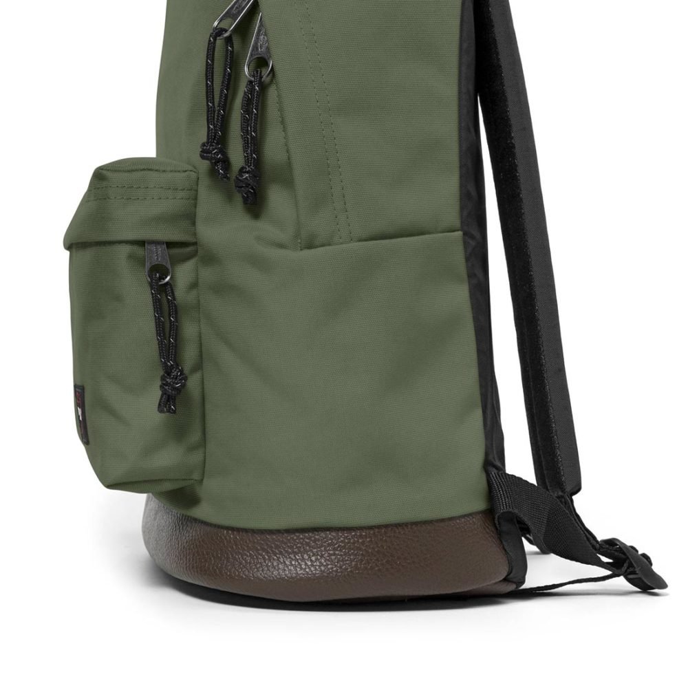 Eastpak-Wyoming-Backpack-Current-Khaki-05