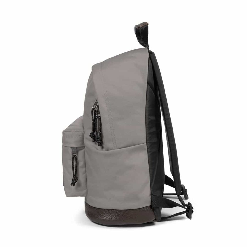 Eastpak-Wyoming-24L-Backpack-Concrete-Grey-03