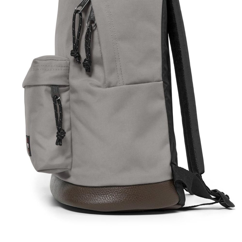 Eastpak-Wyoming-24L-Backpack-Concrete-Grey-05