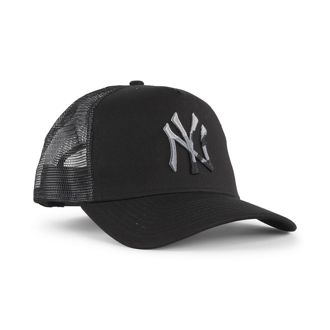 0d3e6637f New Era NY Yankees Camo Infill Trucker Cap – Black