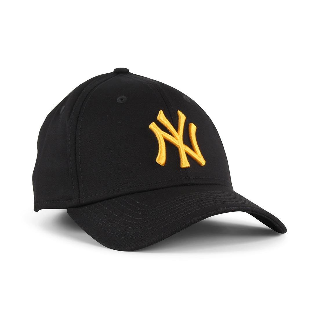 b71404176787d New Era NY Yankees League Essential 39Thirty Cap – Black / Rose Gold
