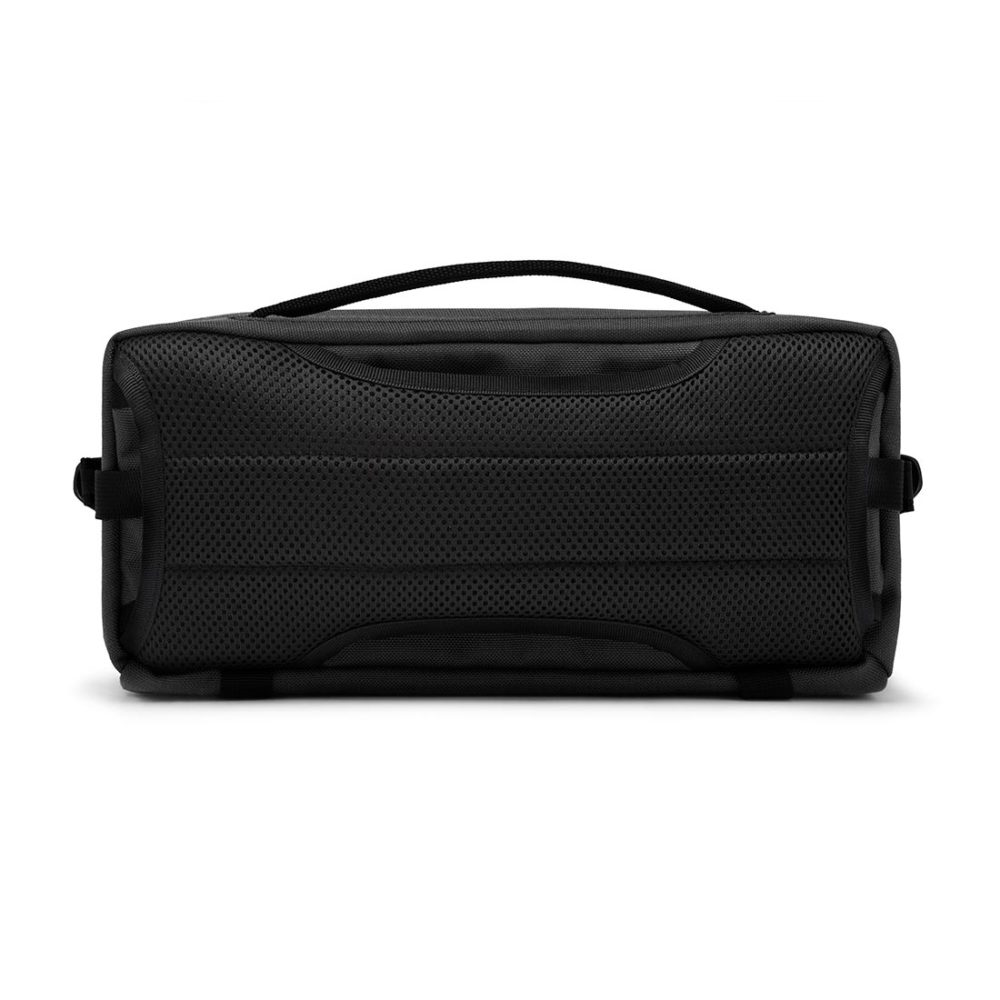 Chrome Kovac Sling 5L Messenger Bag - Black