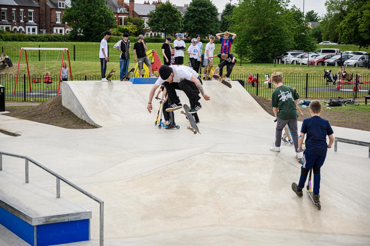 Lady Bay Skate Park - Eduardo Martins Dias Hardflip