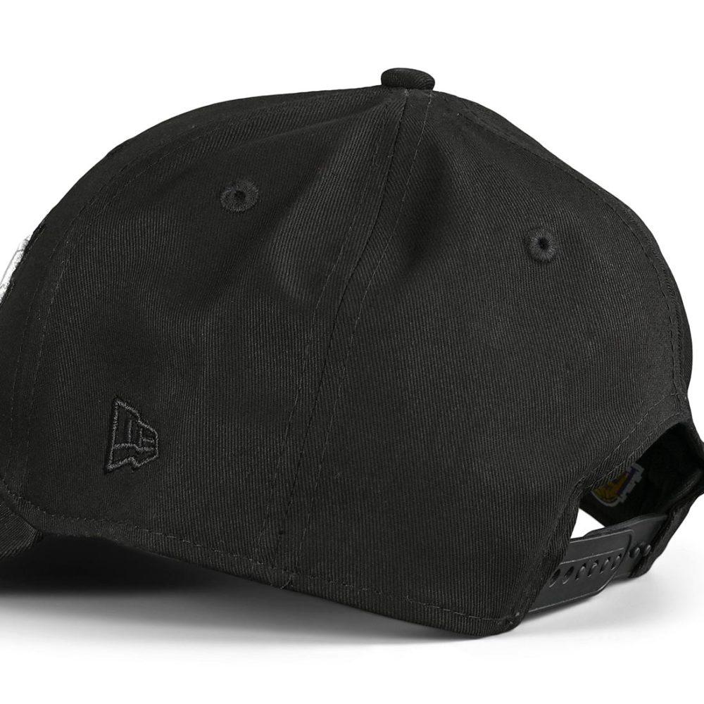 New Era LA Lakers Black Base 9Forty Snapback Cap - Black