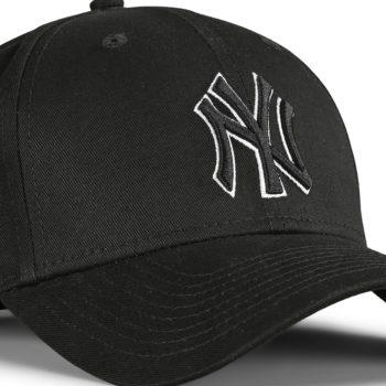 New Era NY Yankees Black Base 9Forty Snapback Cap - Black